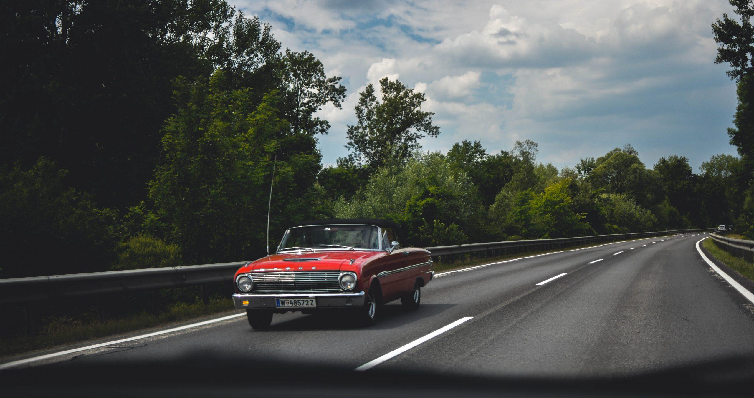 Ventajas y desventajas de viajar en auto